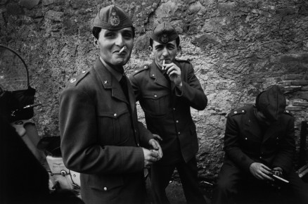 Bruno Barbey – Men on leave from their military service, Rome, Italy, 1963