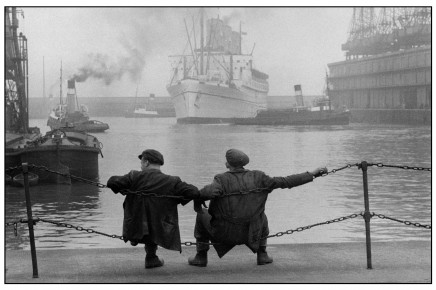 Jean Marquis – Two dockers on the quay, Liverpool,Great Britain, 1955