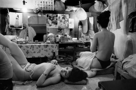 Werner Bischof – Striptease Club Tokyo, Japan1951