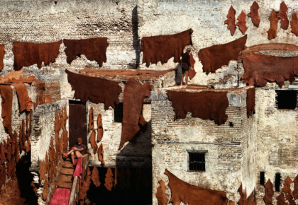 Bruno Barbey – Tanners of Sidi Moussa. Fez, Morocco. Guerniz district 1984